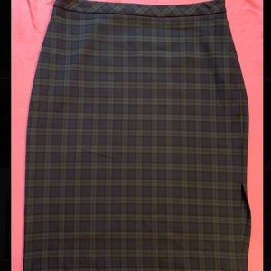 Gorgeous Banana Republic plaid midi pencil skirt